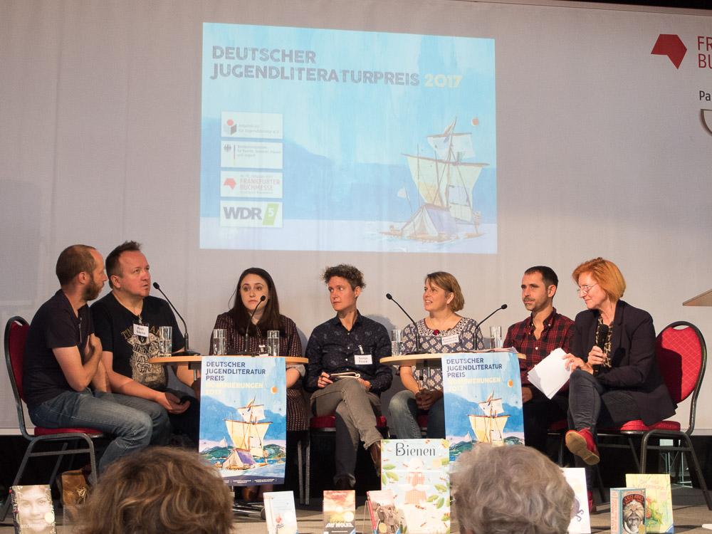 Gespräch mit den Preisträgern des Jugendliteraturpreises.